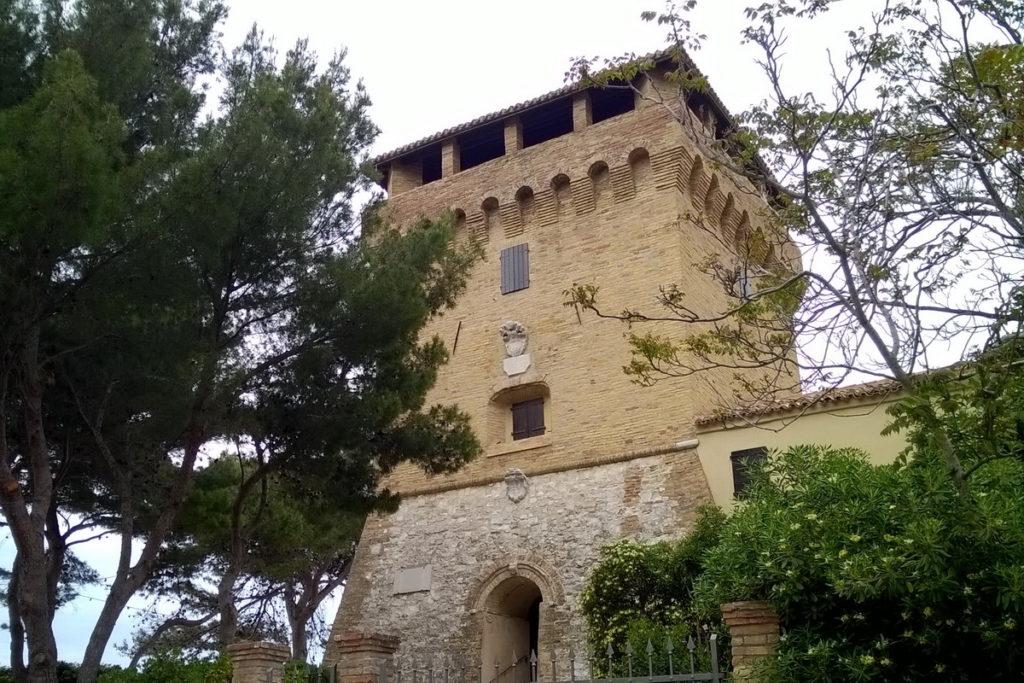 Antica Torre a Portonovo da visitare con i bambini