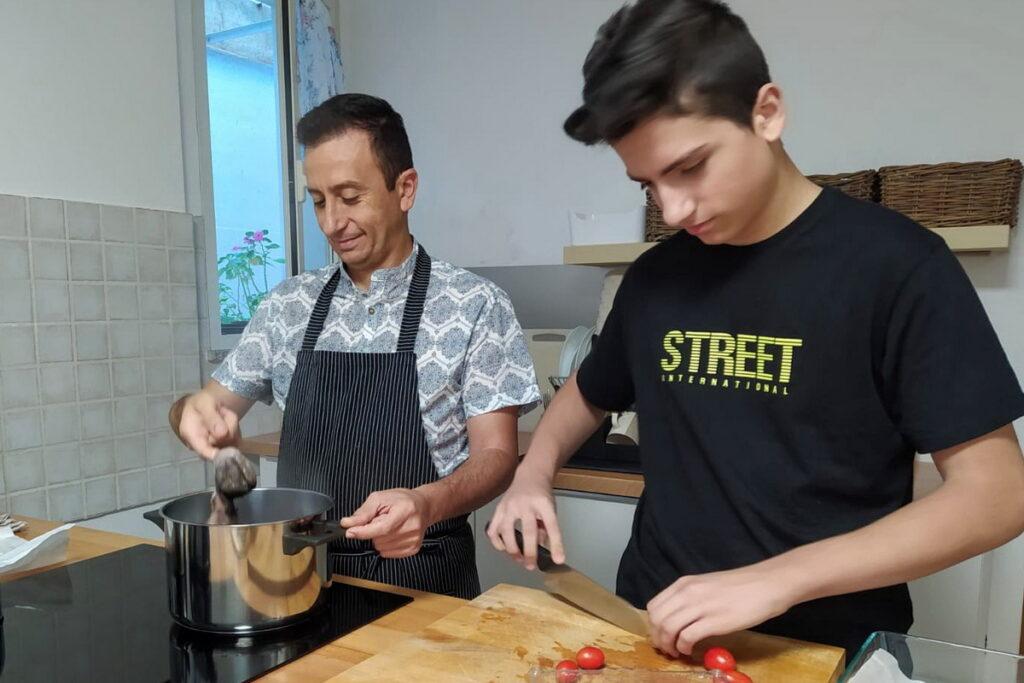 cucinare insieme come famiglia