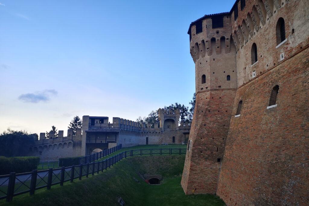 Visitare il castello di gradara con i bambini