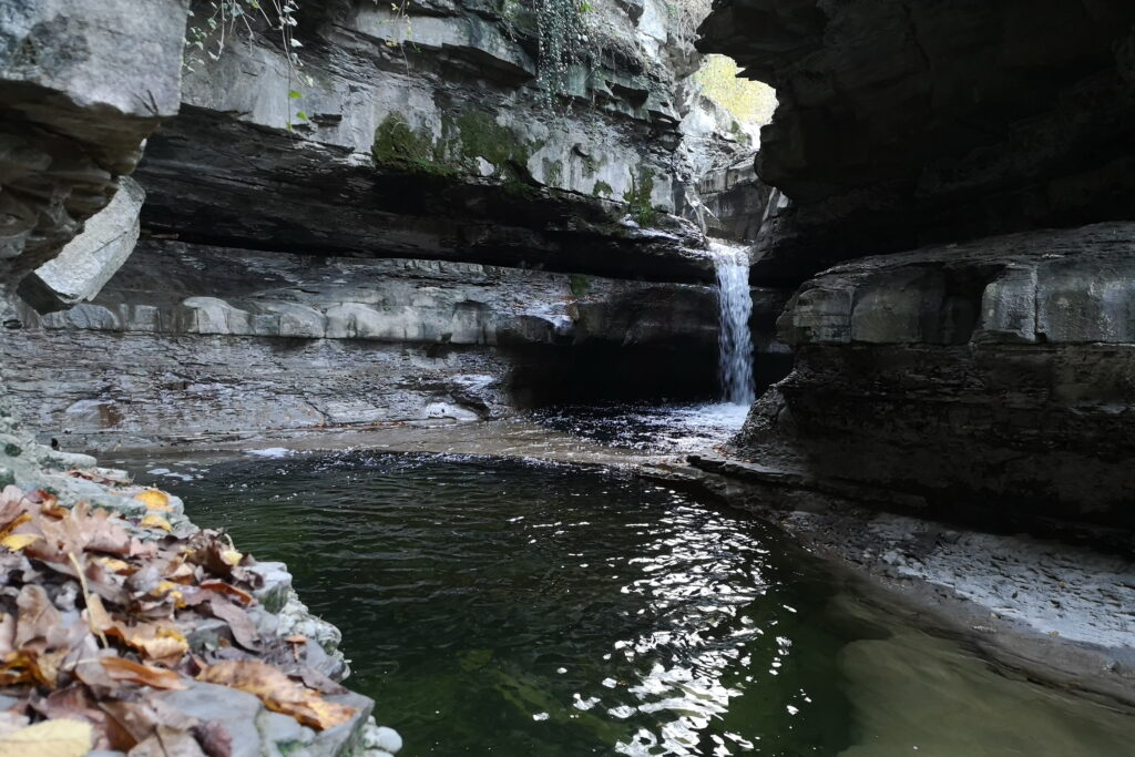 Visitare la grotta urlante con i bambini